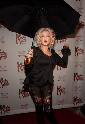 Cyndi lauper and renowned cast of kinky boots the musical for Kinky boots cyndi lauper