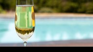 poolside proseco featured image