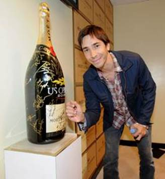 Justin Long attends the Moet & Chandon Suite at the 2013 US Open.