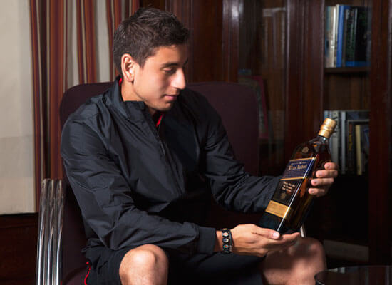 USA World Cup player Alejandro Bedoya Gifts His Teammates with an Engraved Bottle of Johnnie Walker Blue Label