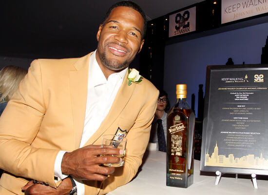 Johnnie Walker Scotch Whisky Joins Michael Strahan in His Pro Football Hall of Fame Induction