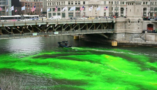 Time Lapse – Chicago River Being Dyed Green for St. Patrick's Day