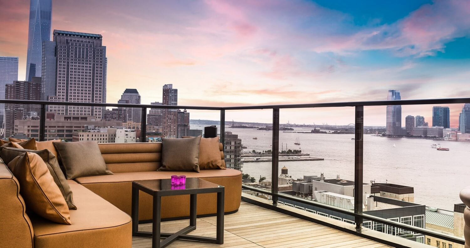 The best rooftop bars in new york chicago and la for Hugo s boutique hotel