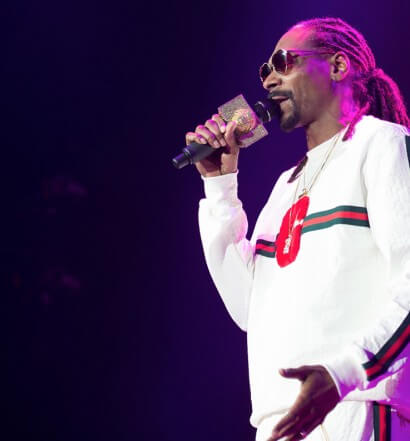 "Snoop Dogg celebrated 4/20 with a ""Wellness Retreat"" in Colorado where fans enjoyed the #DrinkDifferent lounge by Cuca Fresca."