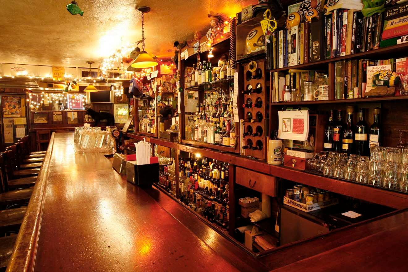Drink in the footsteps of hemingway dickens and kerouac for Kettle of fish