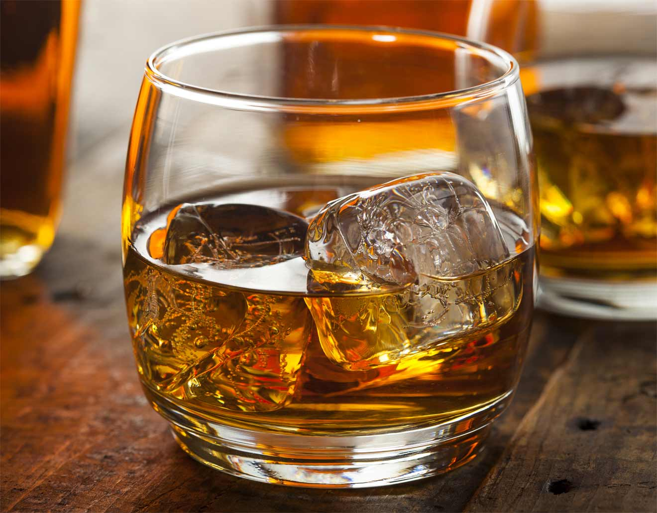 how to drink bourbon on the rocks