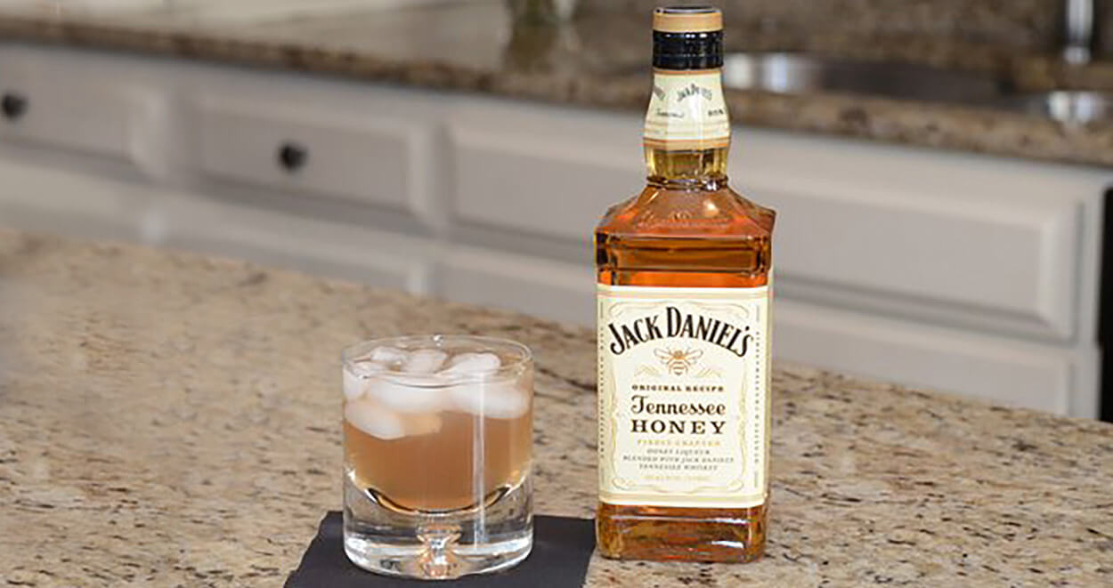 Halftime Honey Jack Daniel's cocktail recipe, featured image