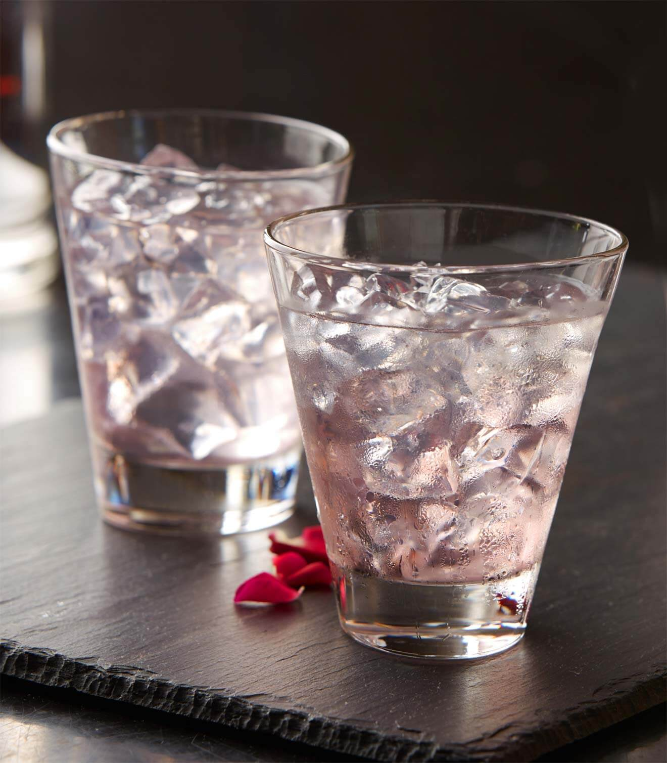 Must Mix: elit by Stoli 'La Vie en Rose', cocktail recipes