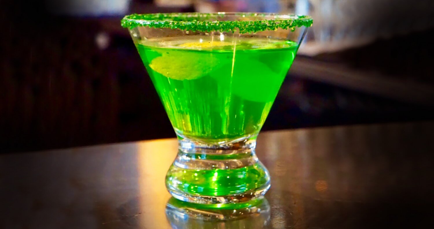 Go Green this St. Patrick's Day, st. patrick's day cocktails, cocktail recipes, featured image, vicki cruz