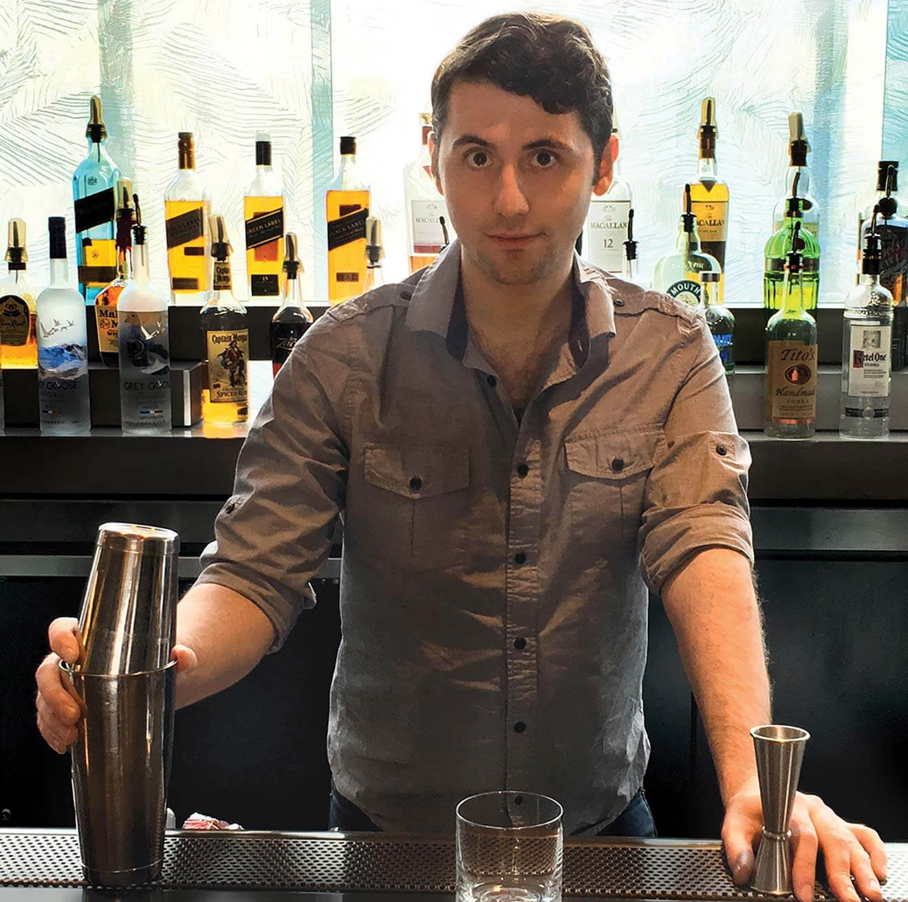 Mixologist and Chilled 100 Ambassador, Zach McGrath