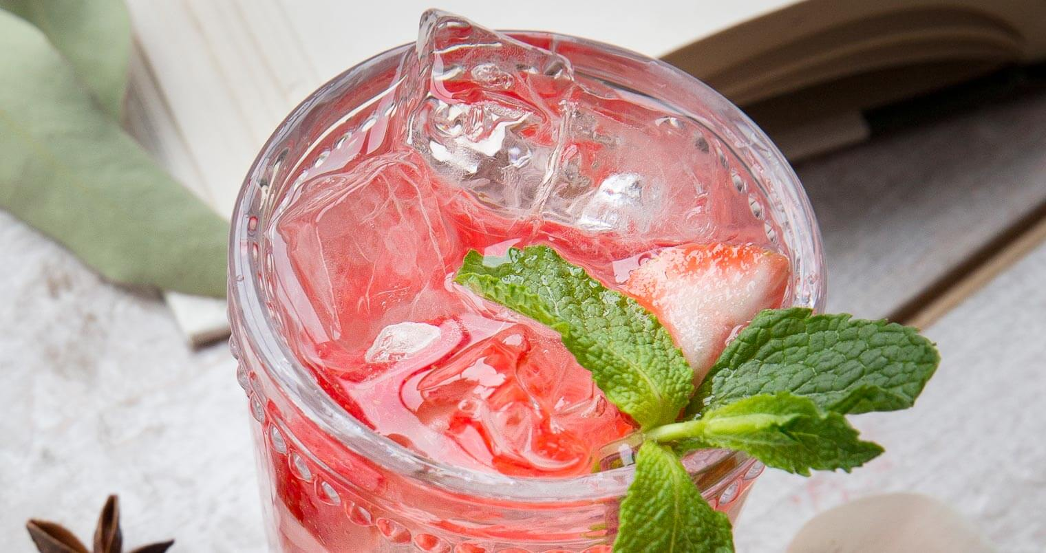 5 Easy to Mix Fourth of July Cocktails, featured image