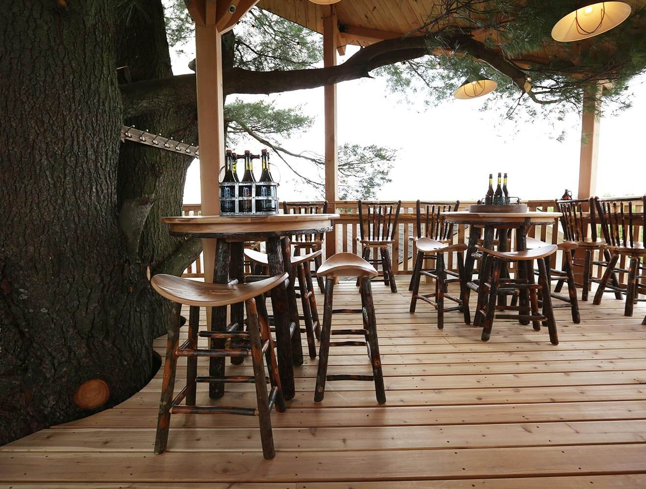 angry-orchard-tasting-treehouse-sitting-area