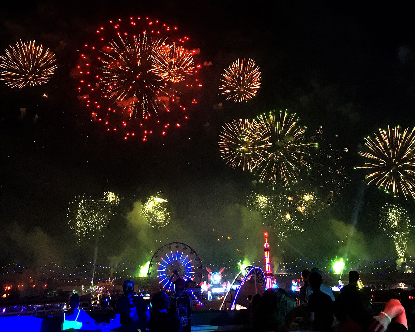 electric daisy carnival fireworks