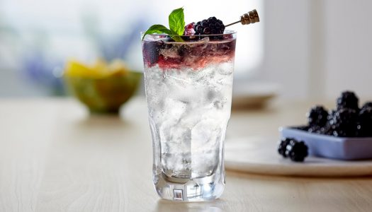 Easy to Mix: BACARDÍ Maestro Blackberry Bramble