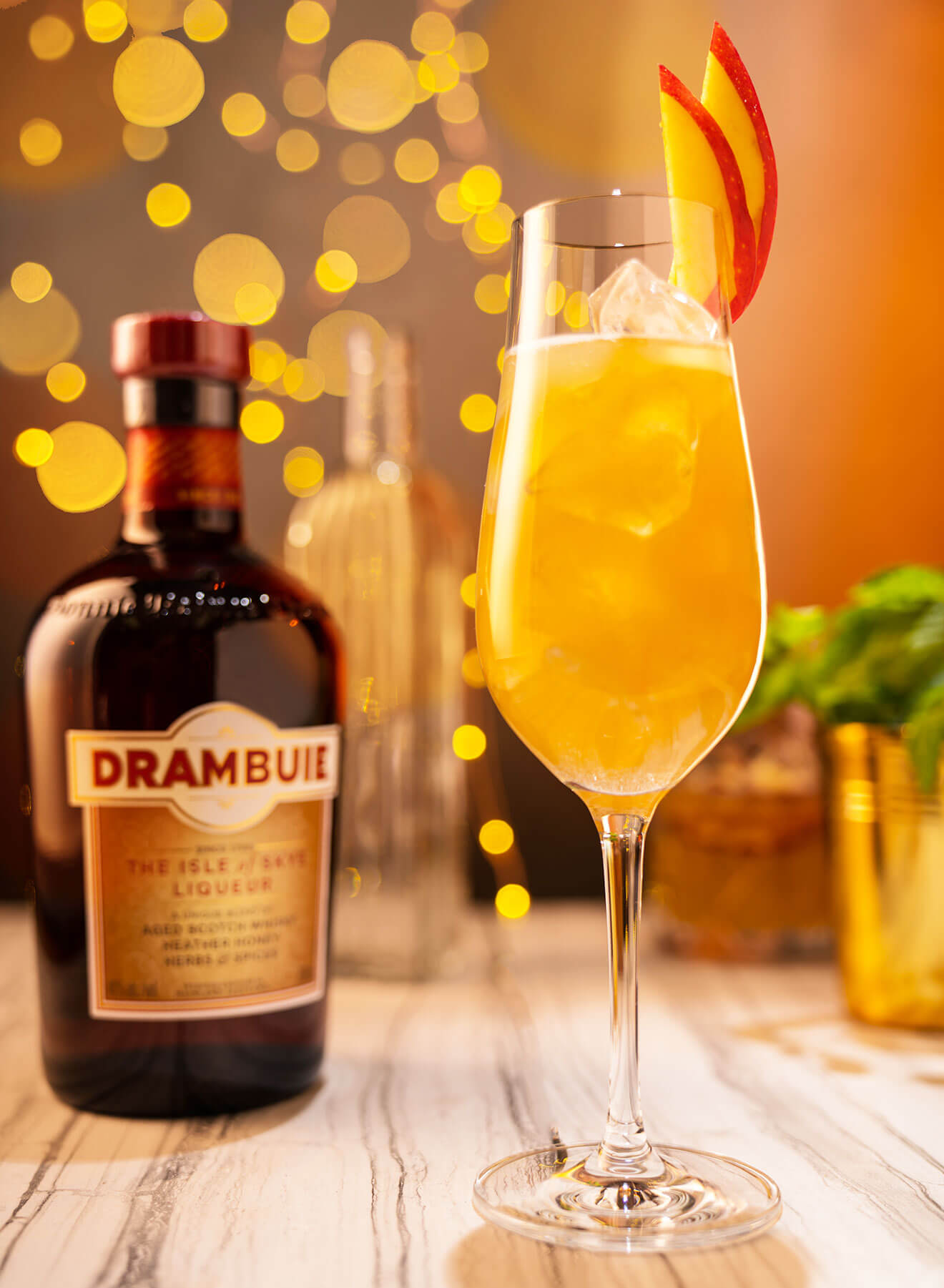 Chilled Drink of the Week: Drambuie Apples & Honey