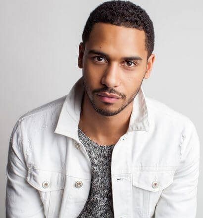 Chillin' with Elliot Knight, featured image