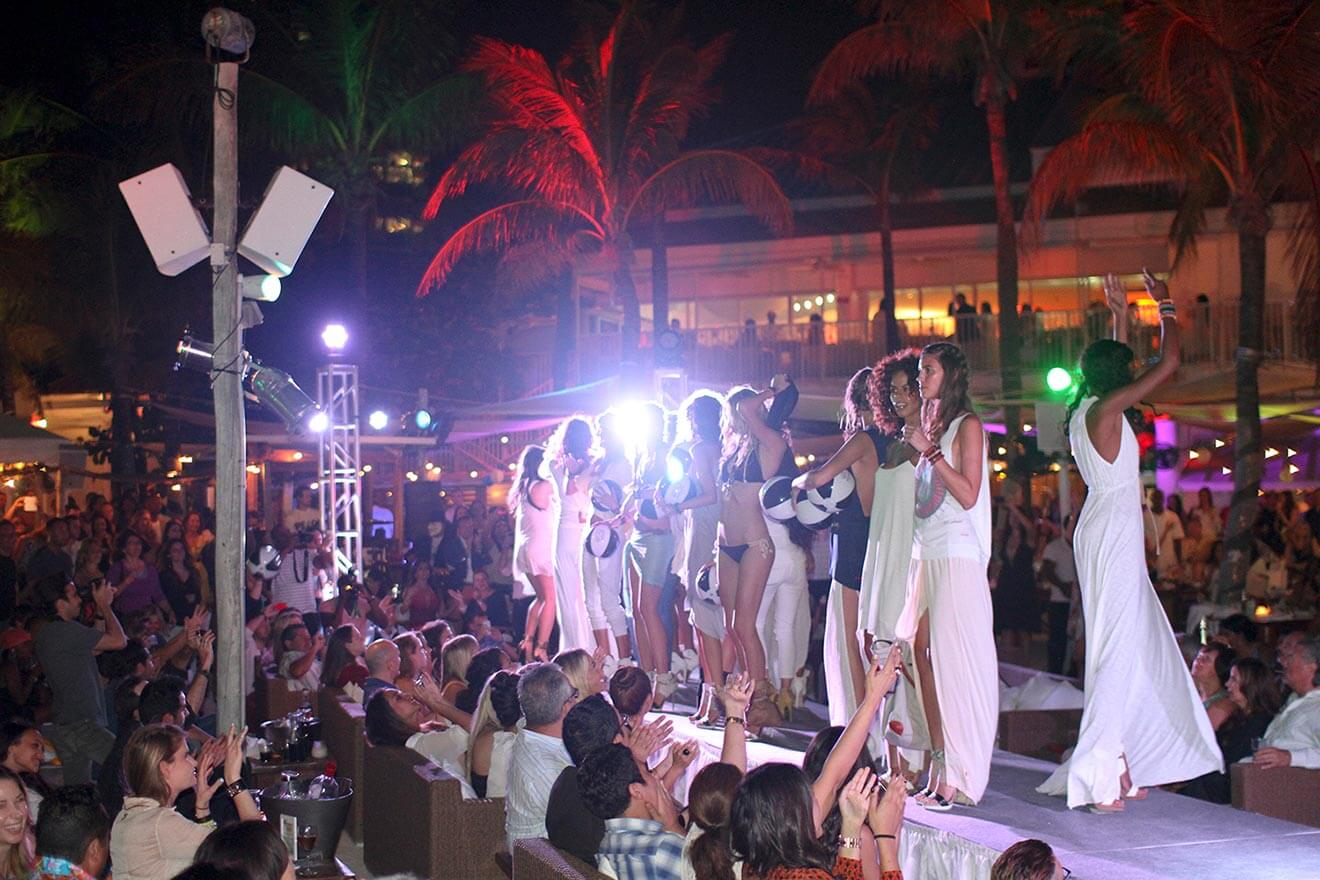 Nikki Beach Miami New Years Eve Crowd Partying