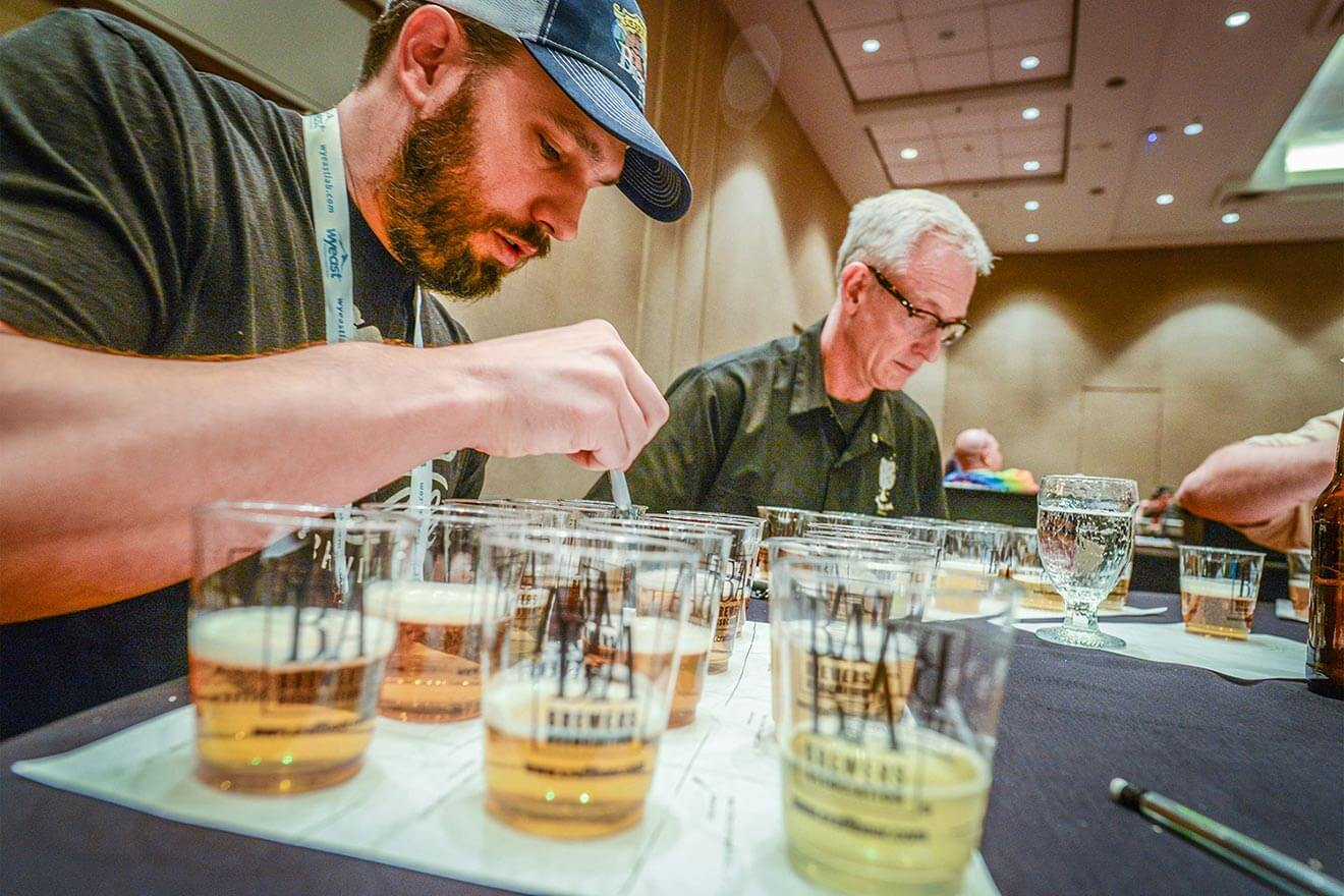2017 Homebrew Con and National Homebrew Competition, judges examining entries