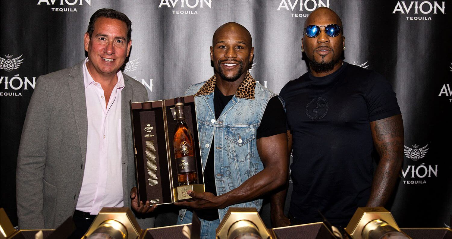 Tequila Avión Celebrates Floyd Mayweather Jr. with Limited Edition Bottle, featured image