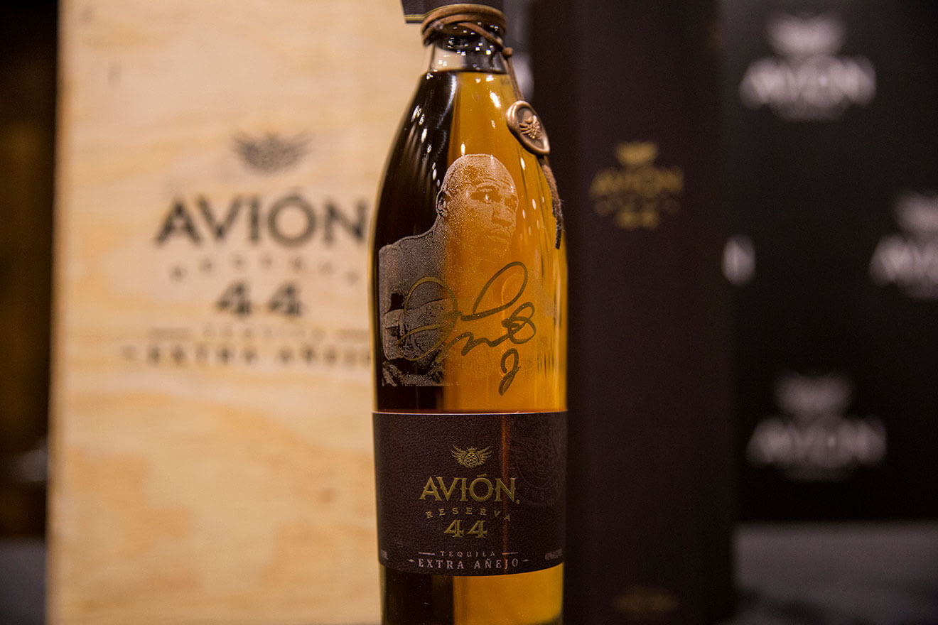 Tequila Avión Celebrates Floyd Mayweather Jr. with Limited Edition Bottle of Avión Reserva 44 Extra Añejo Tequila