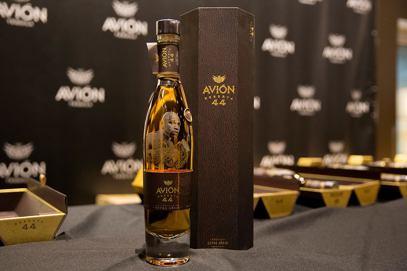 Tequila Avión Celebrates Floyd Mayweather Jr. with Limited Edition Bottle of Avion Reserva 44 Extra Añejo Tequila