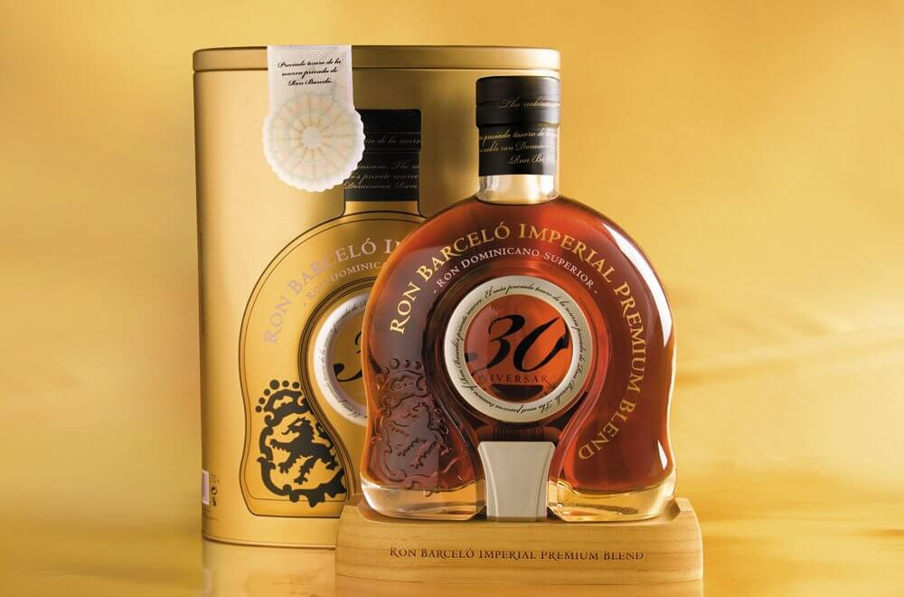 Ron Barceló Imperial Premium Blend 30 Aniversario, bottle and packaging