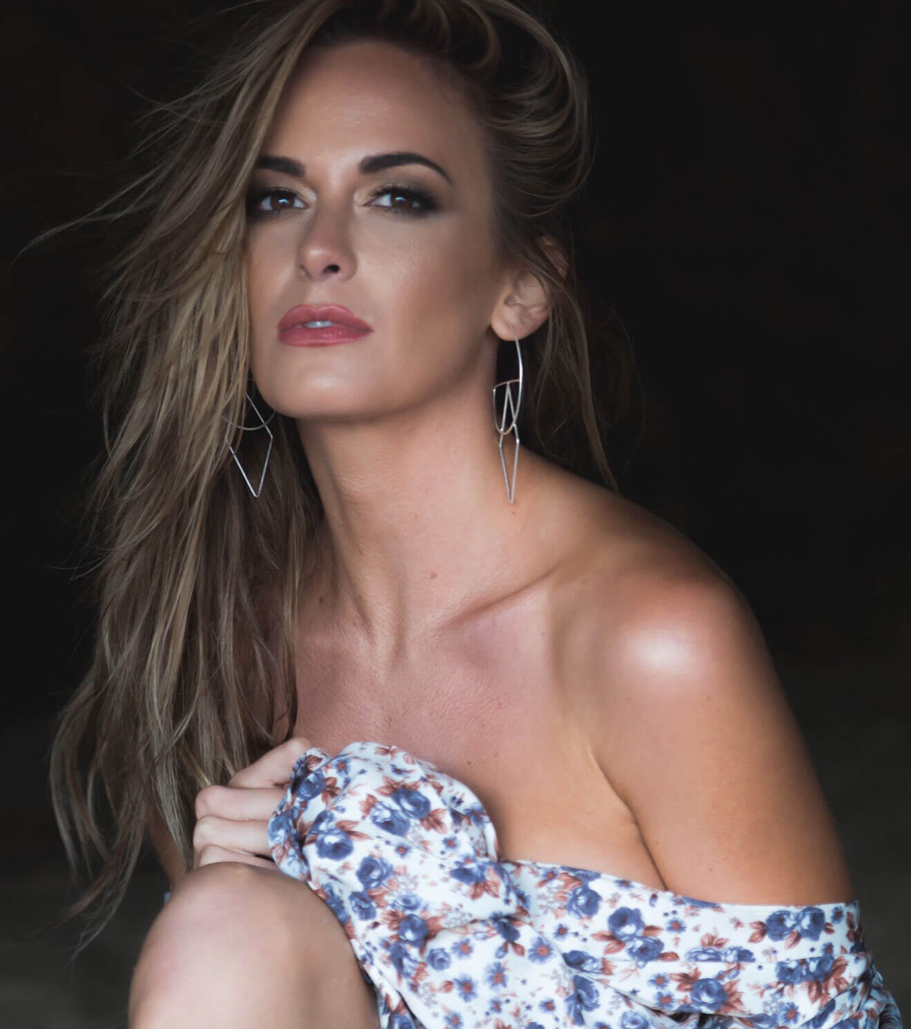 Chillin' with Jena Sims, off shoulder