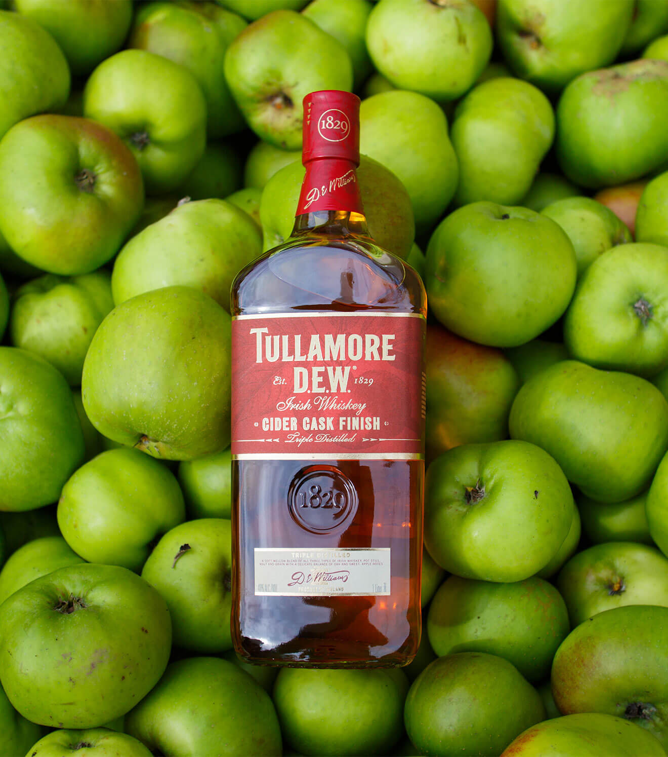 Tullamore D.E.W. Irish Whiskey Cider Cask, bottle, green apples