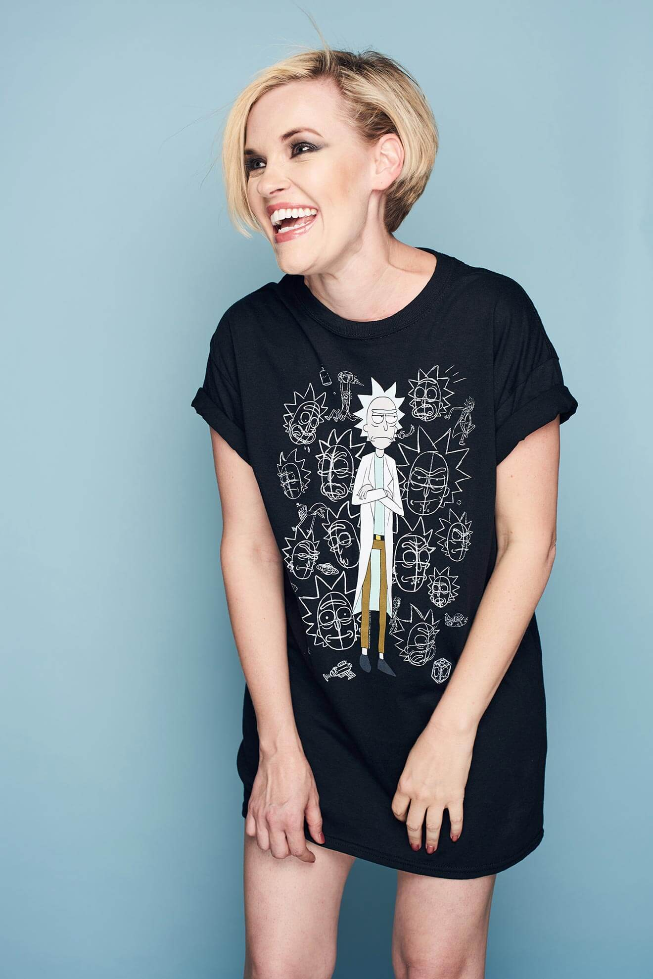 Chillin' with Kari Wahlgren t-shirt on blue, laughing