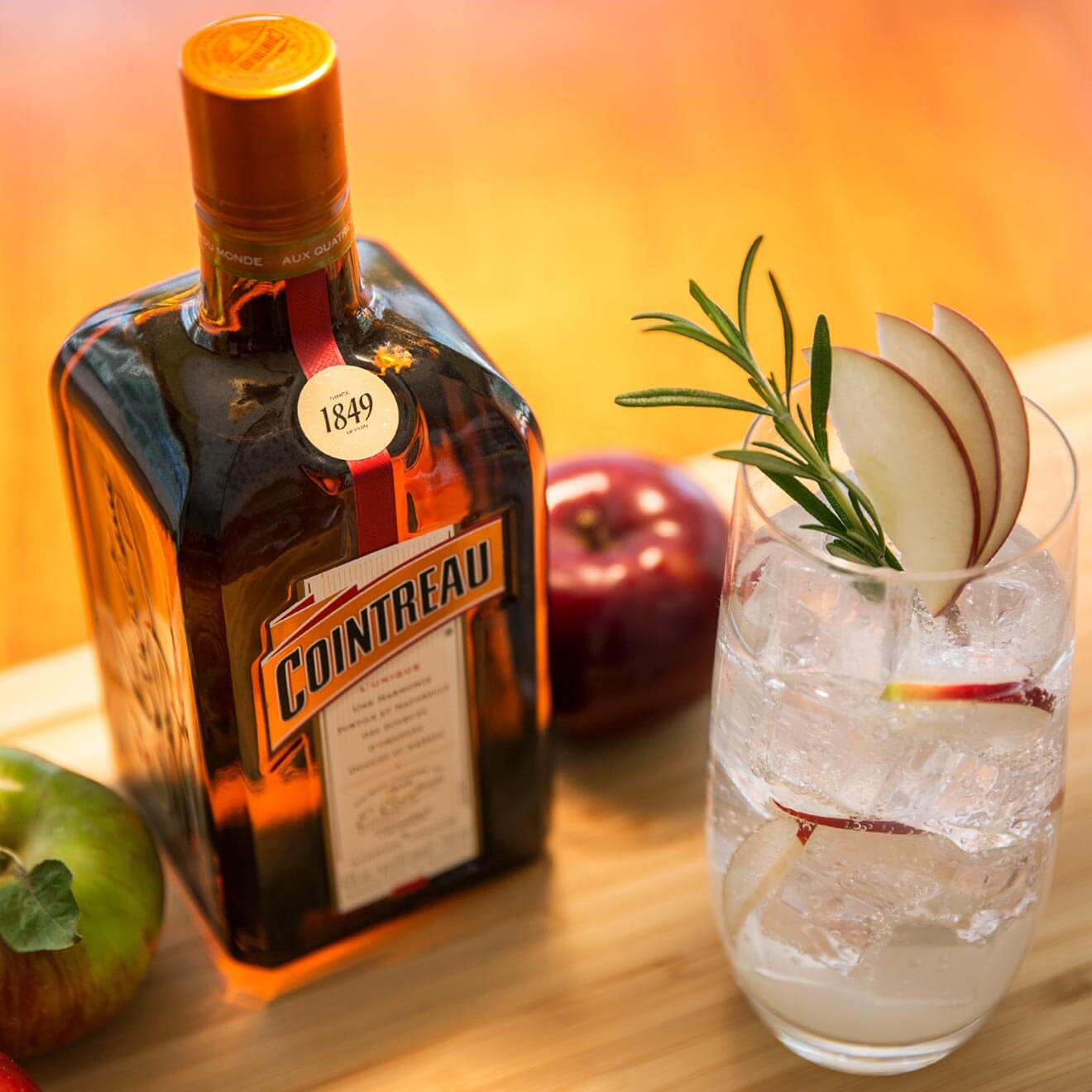 Must mix cointreau fall cocktails chilled magazine for Cointreau mixed drinks