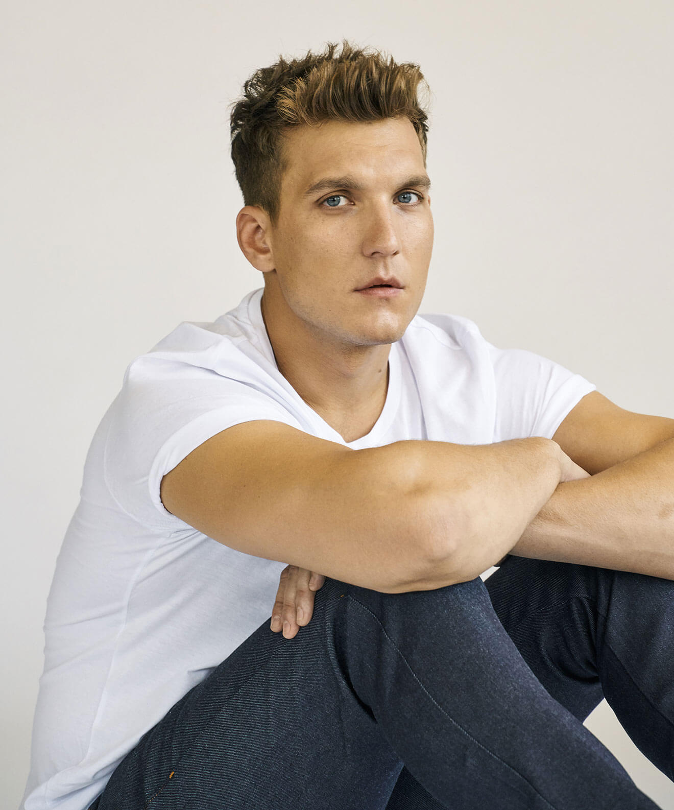 Chillin' with Scott Michael Foster, white t-shirt and jeans