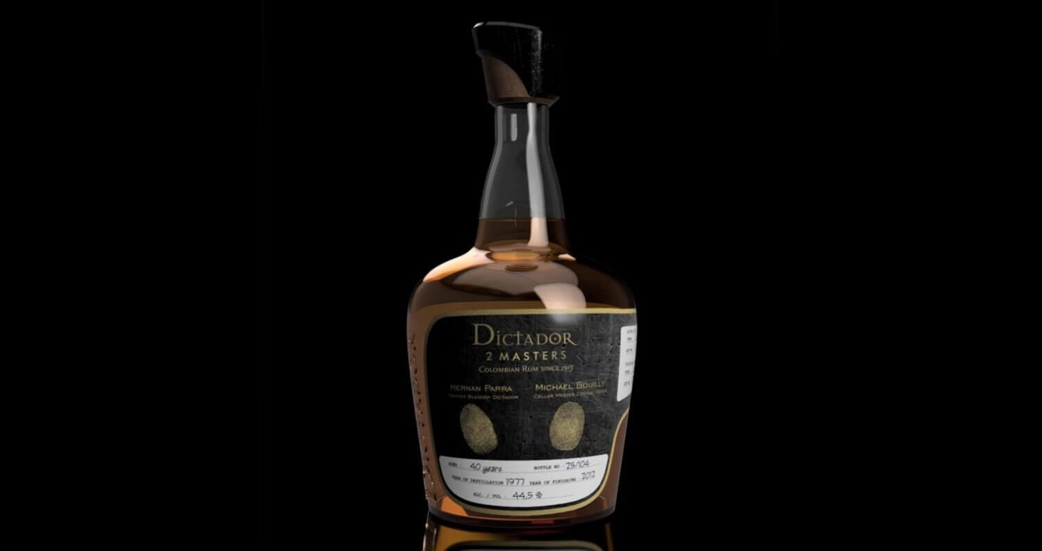 Dictador 2 Masters, bottle on black, featured image