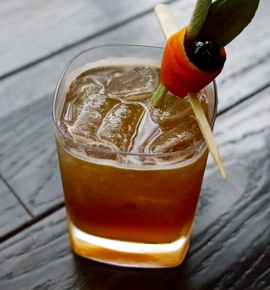 Heart to Handle Cocktail, featured image with garnish
