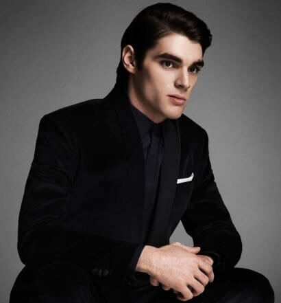 Chillin' with RJ Mitte, featured image