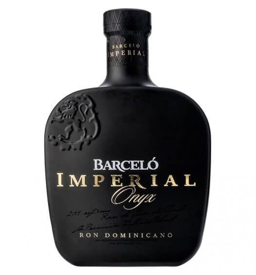 Ron Barceló Imperial Onyx, bottle on white, featured image