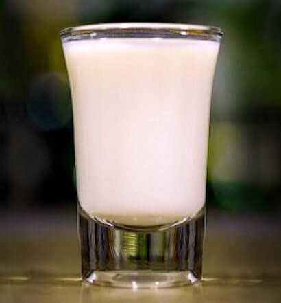 Irish Chata cocktail shot featured image