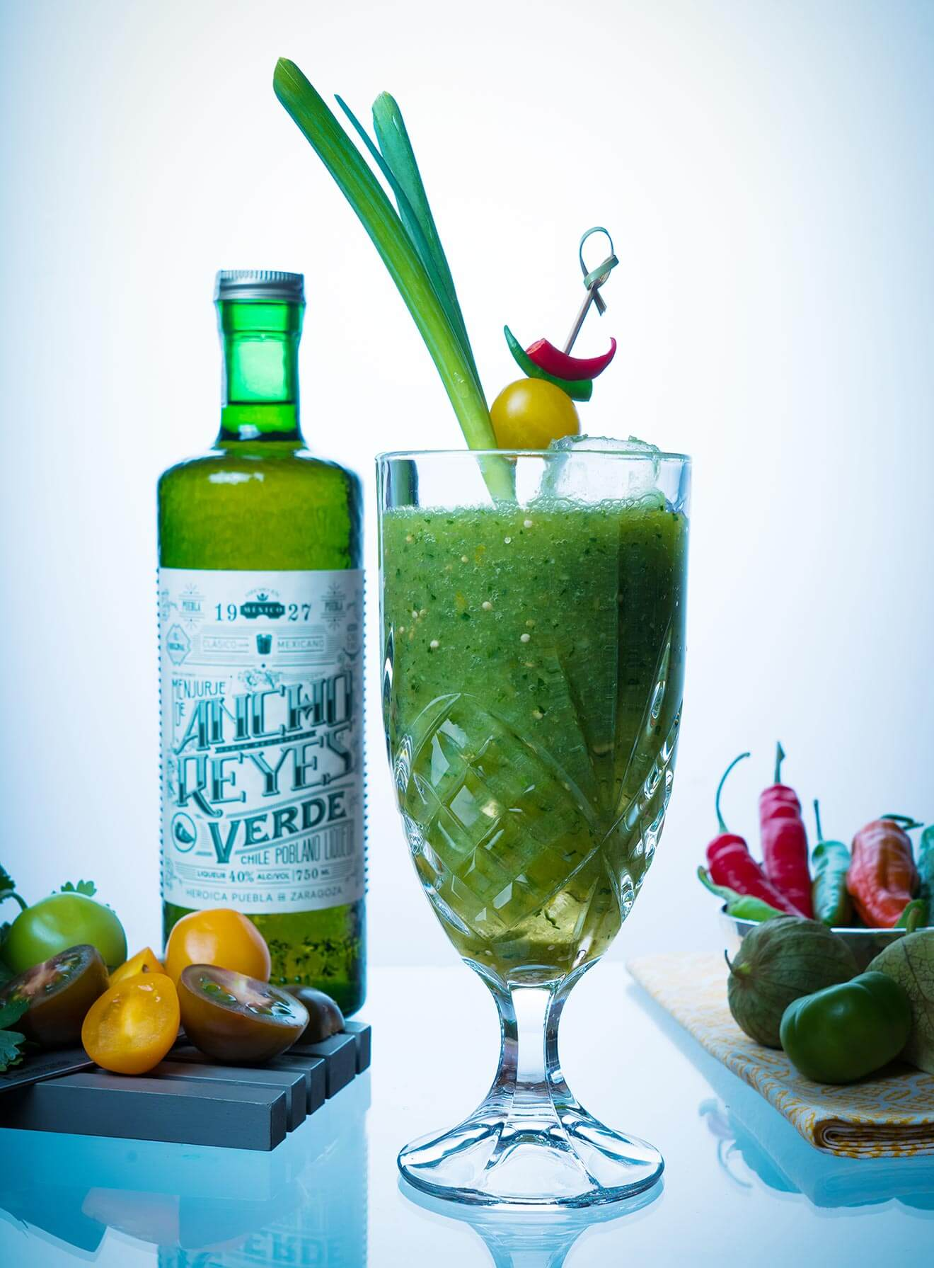 Maria Verde, cocktail and bottle with garnish