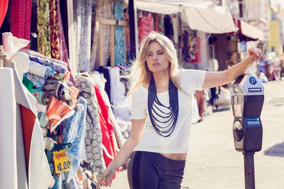 Chillin' with Sarah Minnich, shopping in the market