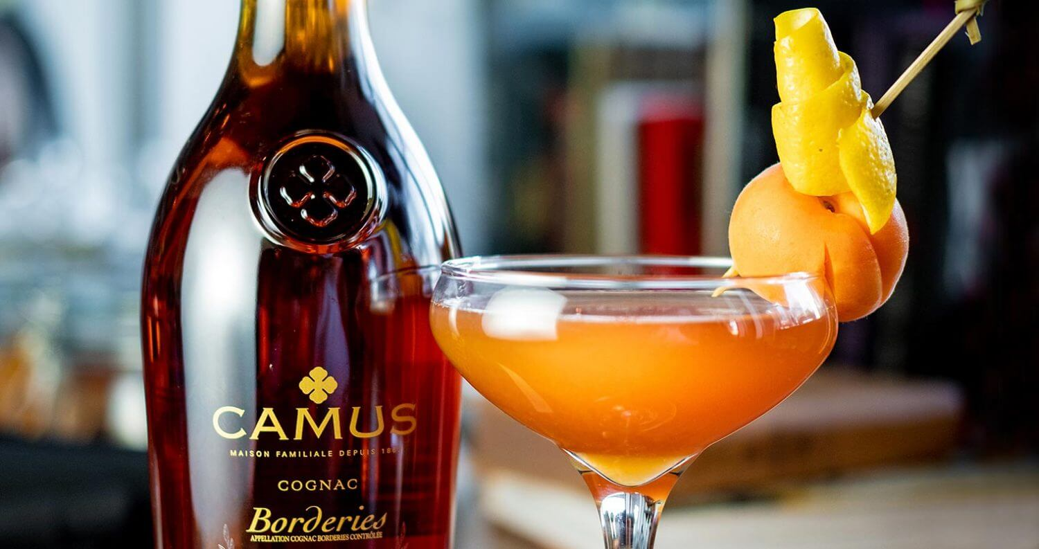 L'abricot Voyageur cocktail, featured image