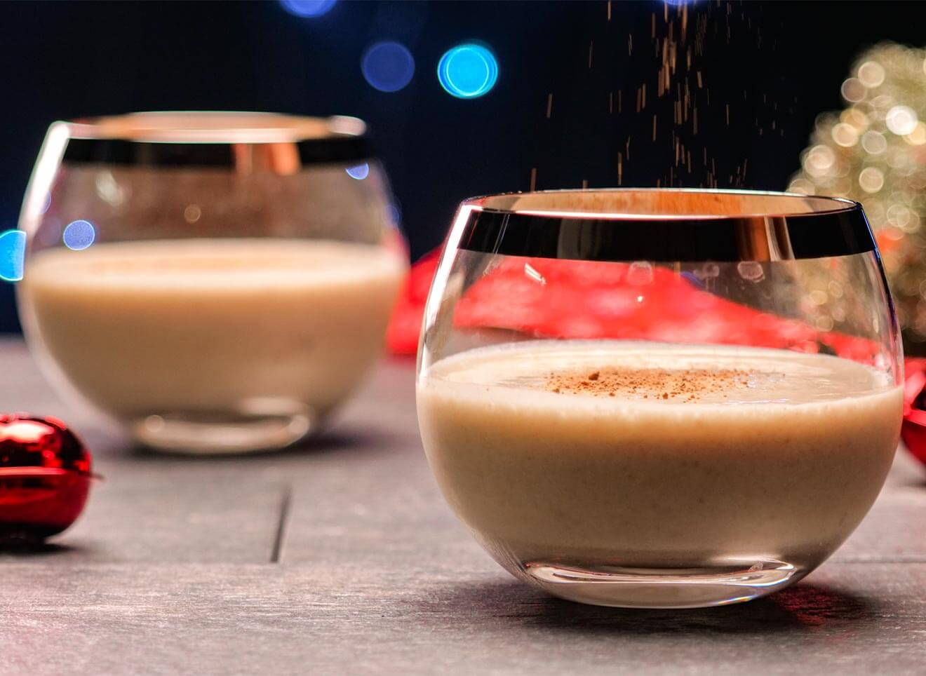 No-Egg Nog, cocktails with holiday decorations