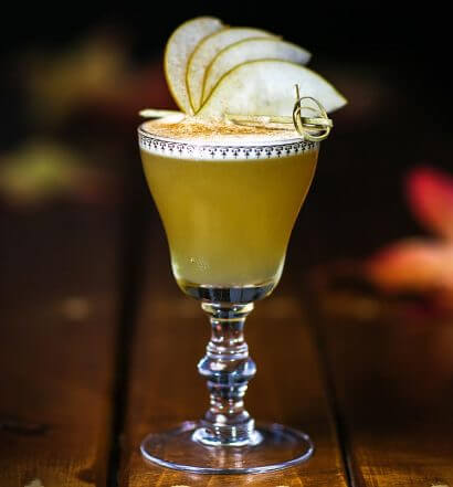 Harvest Moon cocktail, with garnish, featured image