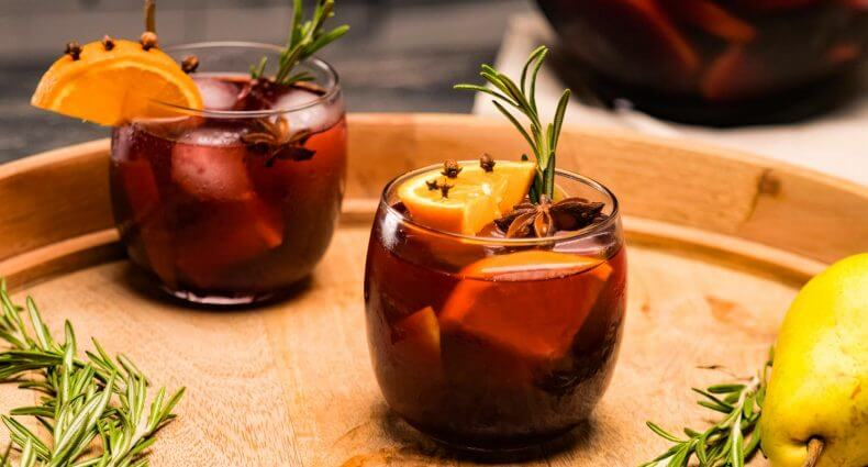 Winter Spice Sangria, cocktail with garnish, featured image