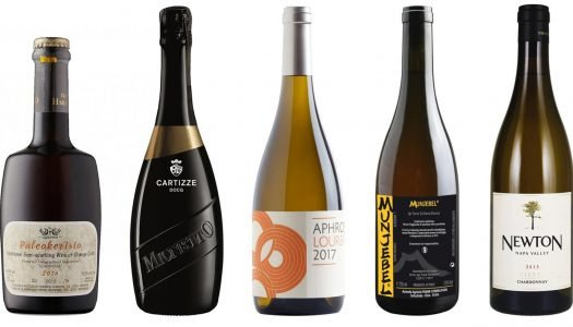 The 10 Best White Wines To Drink This Winter