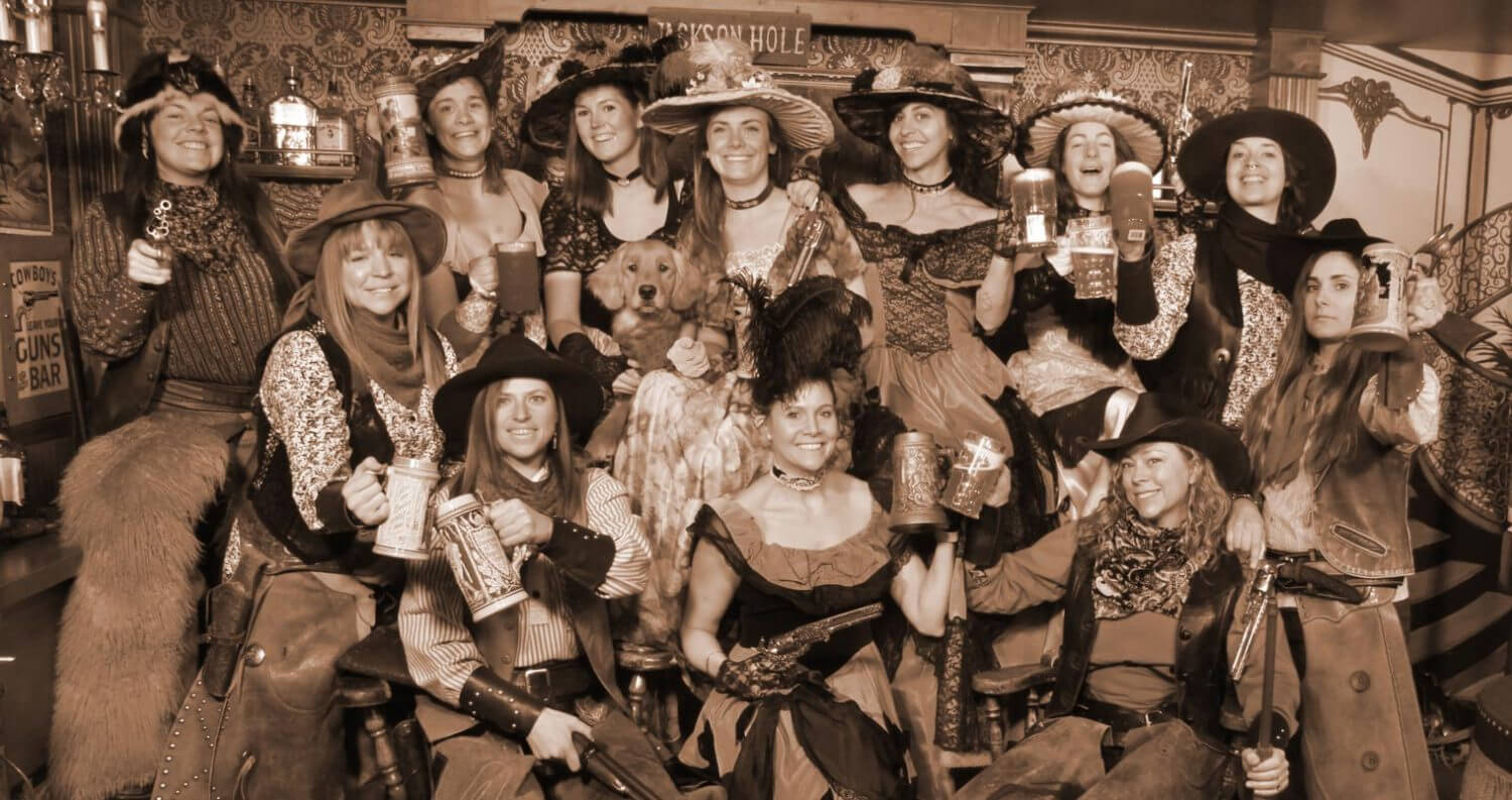Roadhouse Brewing Co. - All Women's Brew Day, group shot, featured image