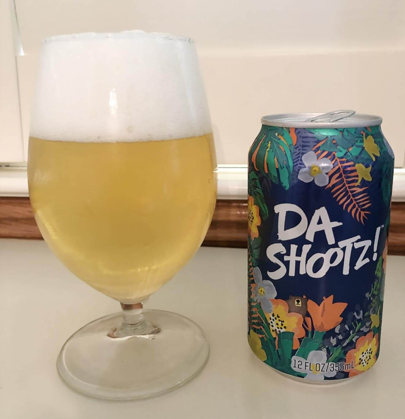Deschutes Brewery Da Shootz! Bohemian Pilsner, glass and can