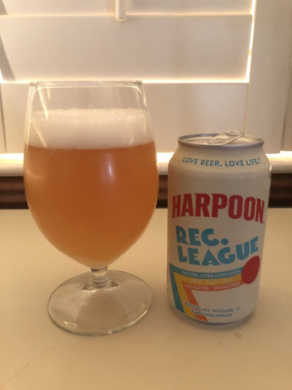 Harpoon Rec. League Hazy Pale Ale, glass and can