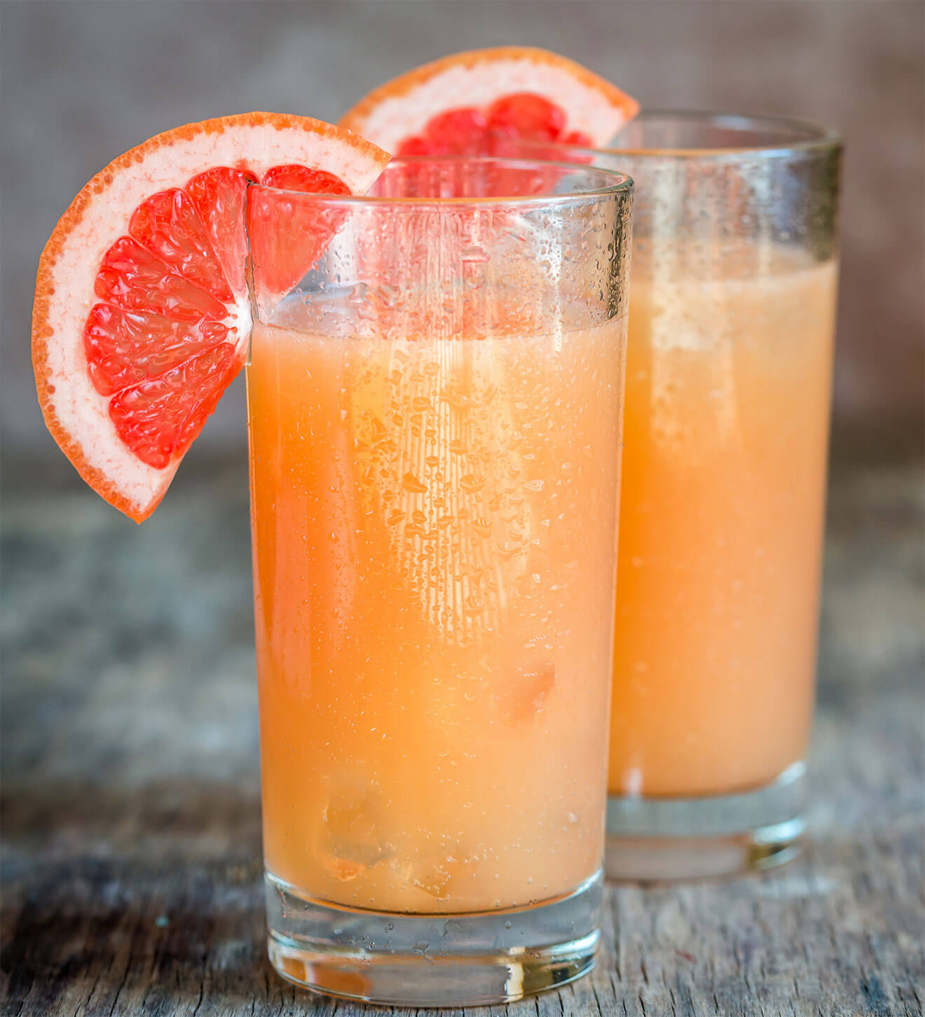 The Best Mixers for Tequila, cocktails with grapefruit garnish