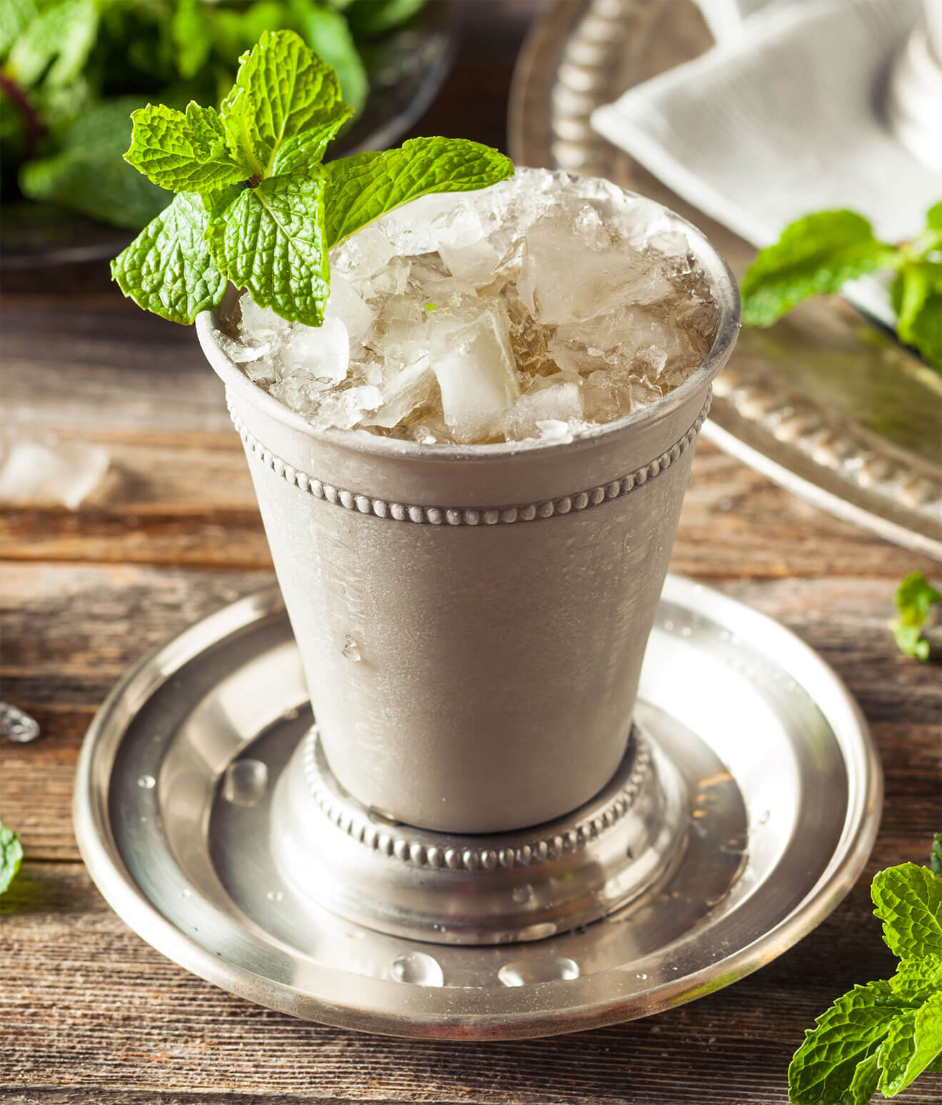 The Perfect Mint Julep, elegant cocktail with garnish