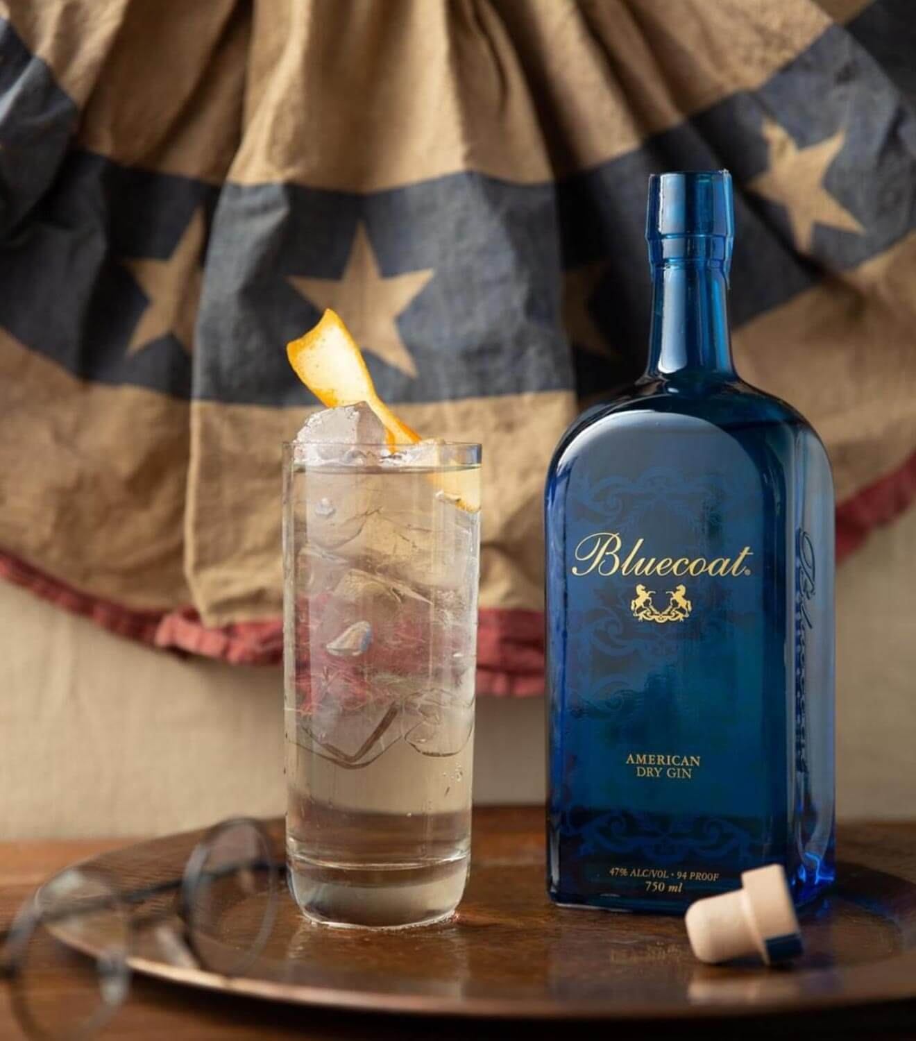 All-American GnT, cocktail and bottle with old american flag