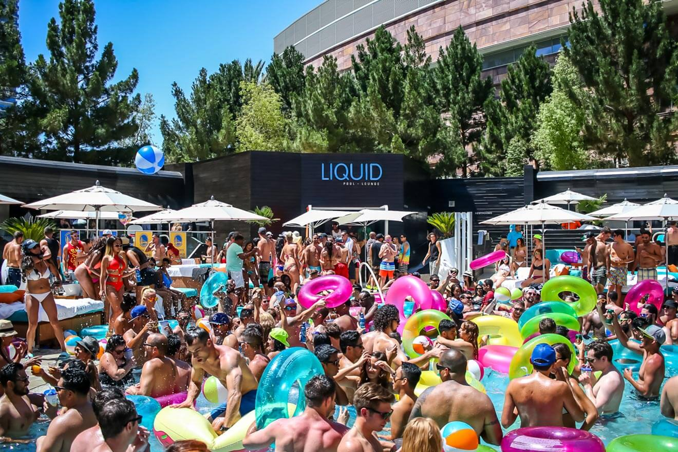 LIQUID Pool Lounge at ARIA Resort & Casino